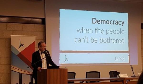 הרצאת סאקר השנתית, בנושא - דמוקרטיה כאשר העם אדיש