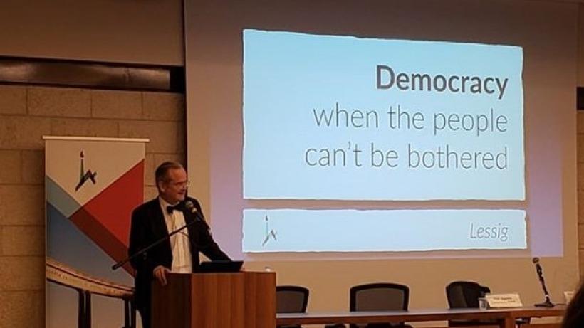 הרצאת סאקר השנתית, בנושא: ״דמוקרטיה כאשר העם אדיש״